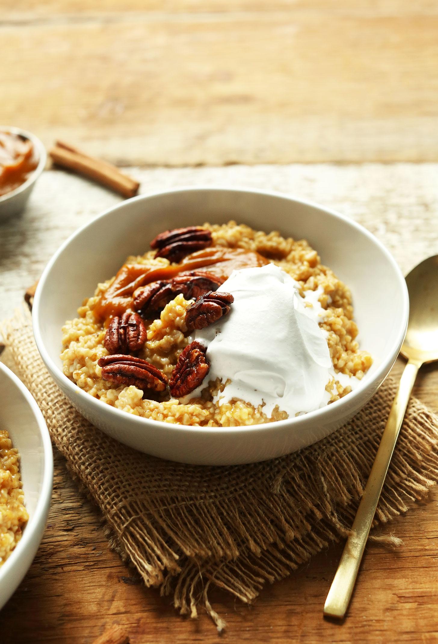naturally-sweetened-30-minute-pumpkin-pie-oats-the-perfect-indulgent-yet-healthy-fall-breakfast-vegan-glutenfree-recipe-breakfast-pumpkin-fall