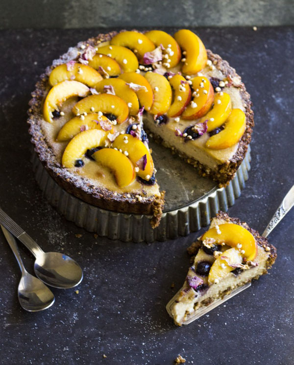 Baked vegan cheesecake topped with fresh fruit