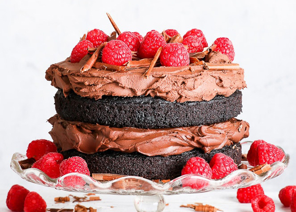 The ultimate vegan and gluten-free baking guide – featuring 34 recipes!