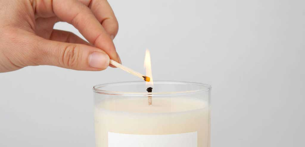 12 calming vegan scented candles that will make your home smell so inviting