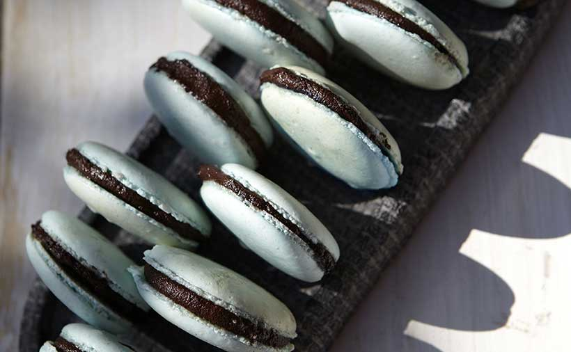 Easy Vegan Macarons with Chocolate Filling