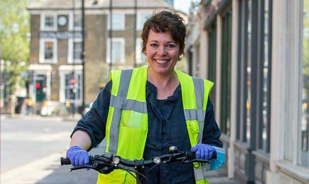Olivia Colman helps vegan charity Made In Hackney deliver meals to the vulnerable