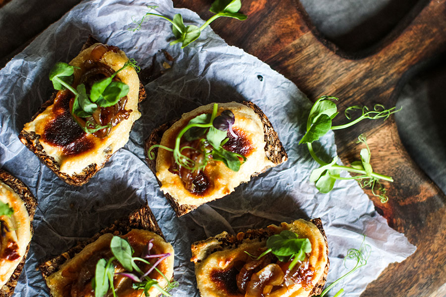 Cheesy Toasts With Caramelised Balsamic Onions